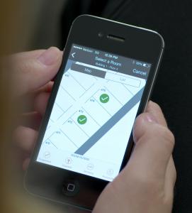 Hiltons digitale hotellobby: gasten moeten op de plattegrond via hun mobiele telefoon zelf de kamer kunnen uitzoeken.