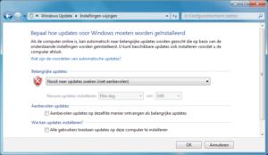 Om Windows Update weer aan de gang te krijgen, moet je hem eerst uitschakelen. De makkelijkste manier is via de instelling in het Configuratiescherm.