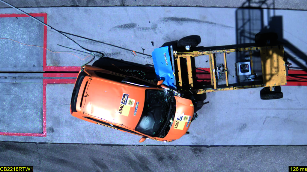 dashcam auto crashtest review ADAC parcours