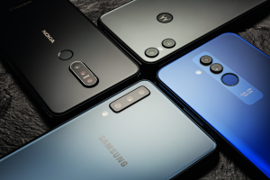 goedkope smartphone Android vergelijkende review tot 300 euro Samsung Nokia Motorola Huawei