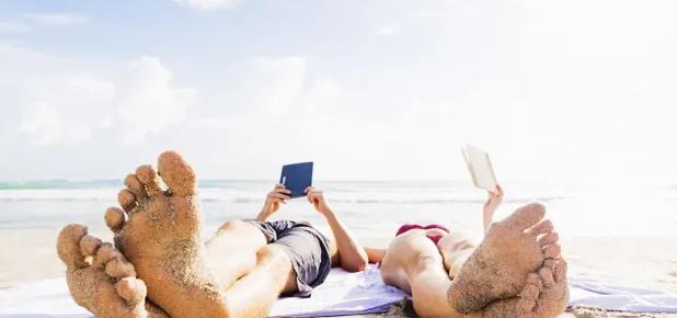 lezen strand e-book tijdschrift Readly