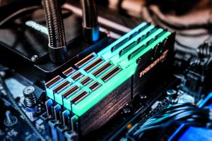 DDR4 geheugen snelheid type RAM module timing verschil XMP profiel