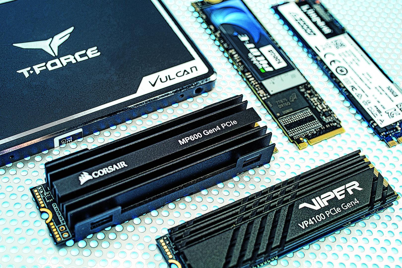 SSD met PCIe 4.0 vs 3.0 vs SATA test review vergelijking vergeleken versus ssd