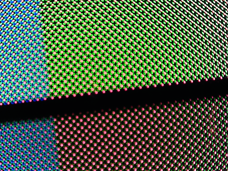 donkere modus batterij accu pixel subpixel matrix rood blauw groen energieverbruik