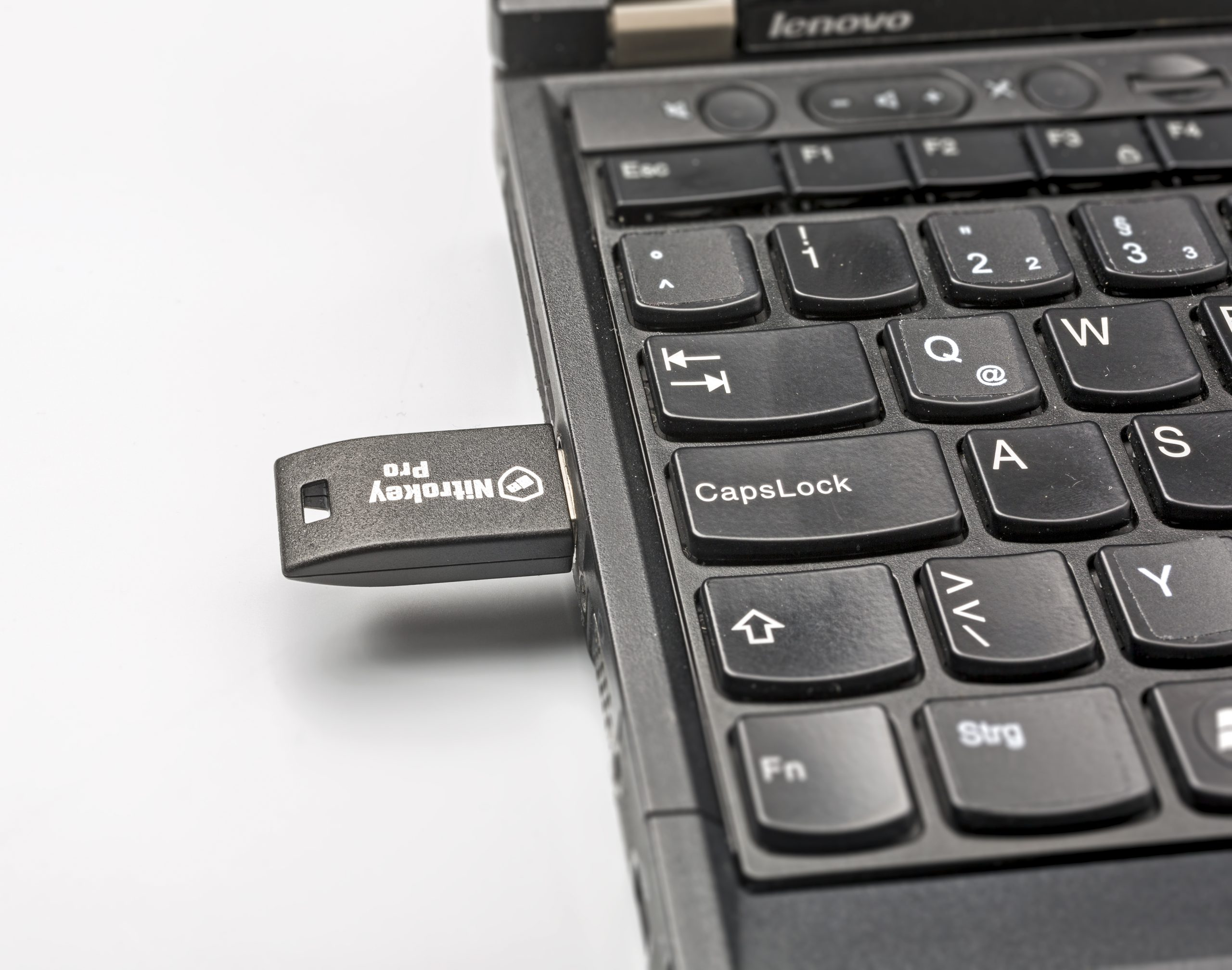 Nitrokey Nitropad usb-stick controleert opstartcode