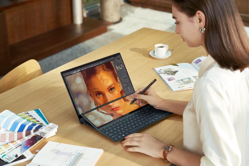 ASUS ZenBook Duo 14 – UX482