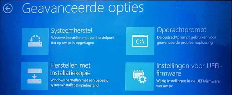 Instellingen voor UEFI-firmware vanuit Windows 10 BIOS instellen